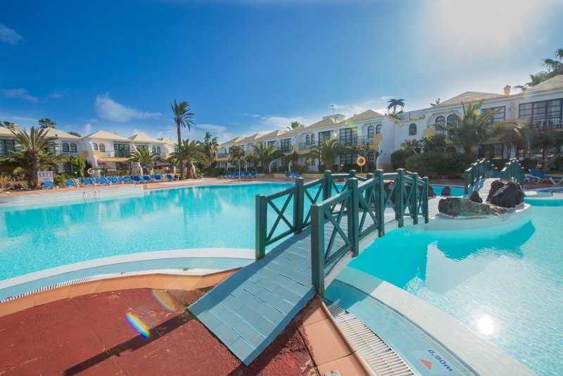 Apartamentos Las Palmeras - Pool