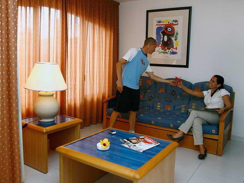 Apartamentos Las Palmeras - Zimmer