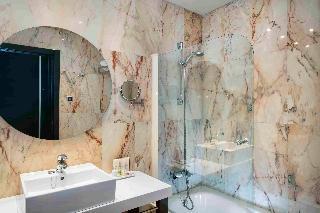 http://photos.hotelbeds.com/giata/00/002562/002562a_hb_ro_054.jpg