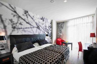 http://photos.hotelbeds.com/giata/00/002562/002562a_hb_ro_056.jpg