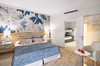 http://photos.hotelbeds.com/giata/00/002562/002562a_hb_ro_061.jpeg