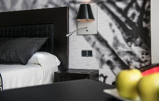 http://photos.hotelbeds.com/giata/00/002562/002562a_hb_ro_076.jpg