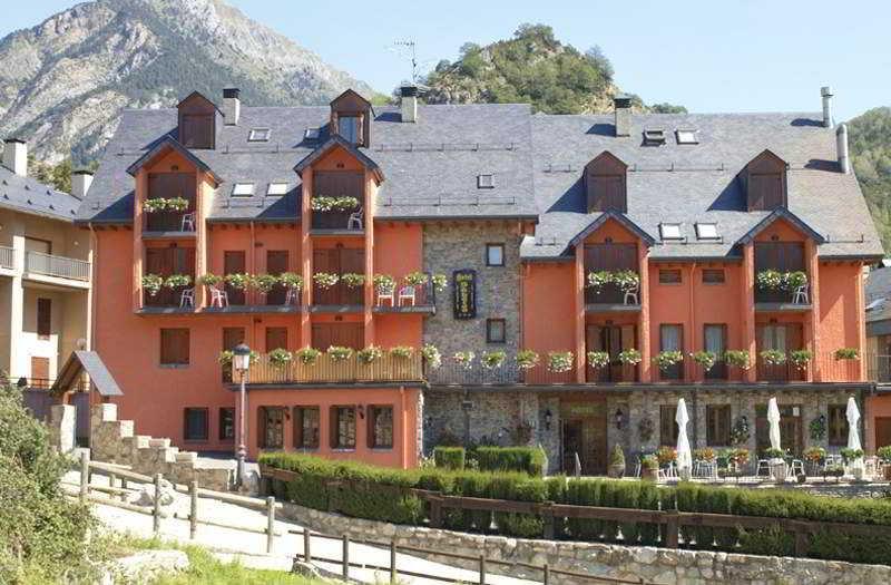 Hotel Sabocos thumb-2