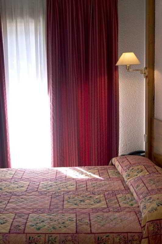 Naudi - Zimmer