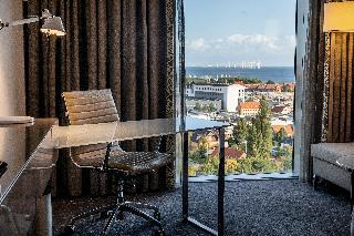 http://photos.hotelbeds.com/giata/00/006185/006185a_hb_ro_004.jpg