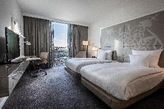 http://photos.hotelbeds.com/giata/00/006185/006185a_hb_ro_005.jpg