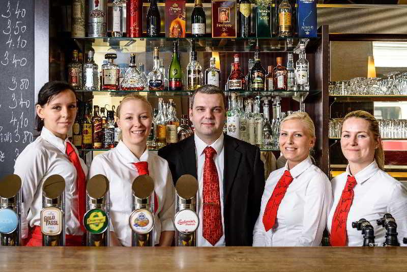 Regina - Bar