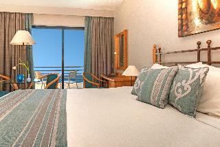 http://photos.hotelbeds.com/giata/00/007067/007067a_hb_ro_033.JPG