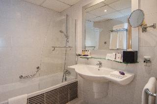 http://photos.hotelbeds.com/giata/00/007067/007067a_hb_ro_041.JPG