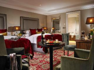 http://photos.hotelbeds.com/giata/00/007487/007487a_hb_ro_010.jpg