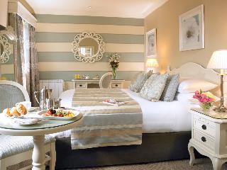 http://photos.hotelbeds.com/giata/00/007487/007487a_hb_ro_011.jpg