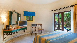 http://photos.hotelbeds.com/giata/00/007884/007884a_hb_ro_119.jpg