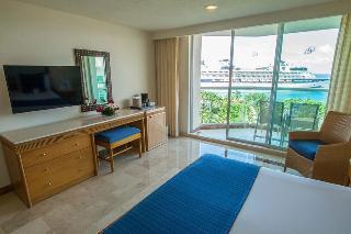 http://photos.hotelbeds.com/giata/00/008230/008230a_hb_ro_116.jpg