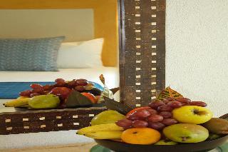 http://photos.hotelbeds.com/giata/00/008230/008230a_hb_ro_119.jpg
