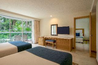 http://photos.hotelbeds.com/giata/00/008230/008230a_hb_ro_127.jpg