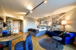 http://photos.hotelbeds.com/giata/00/009429/009429a_hb_ro_004.jpg