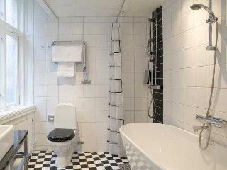 http://photos.hotelbeds.com/giata/00/009497/009497a_hb_ro_001.jpg