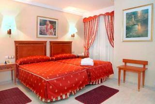 http://photos.hotelbeds.com/giata/00/009497/009497a_hb_ro_007.jpg