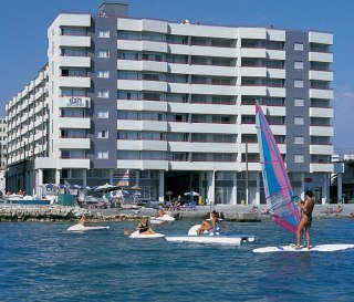 Hotels in Limassol: Allwin Eden Beach