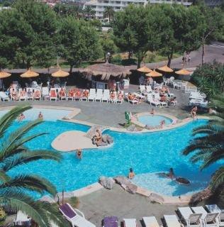 Hotels in Puerto de Alcudia: Grupotel Alcudia Beach