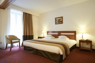http://photos.hotelbeds.com/giata/01/014480/014480a_hb_ro_002.jpg