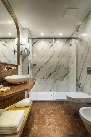 http://photos.hotelbeds.com/giata/01/014480/014480a_hb_ro_009.jpg