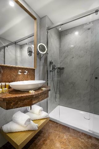 http://photos.hotelbeds.com/giata/01/014480/014480a_hb_ro_021.jpg