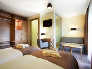 http://photos.hotelbeds.com/giata/01/014482/014482a_hb_ro_002.jpg