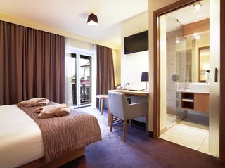 http://photos.hotelbeds.com/giata/01/014482/014482a_hb_ro_004.jpg