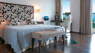 http://photos.hotelbeds.com/giata/01/017659/017659a_hb_ro_004.jpg