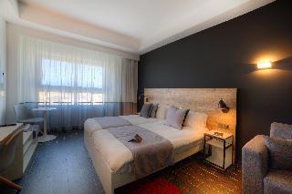 http://photos.hotelbeds.com/giata/02/020120/020120a_hb_ro_028.jpg