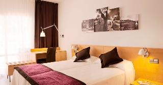 http://photos.hotelbeds.com/giata/02/024844/024844a_hb_ro_009.jpg