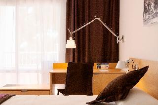 http://photos.hotelbeds.com/giata/02/024844/024844a_hb_ro_011.jpg