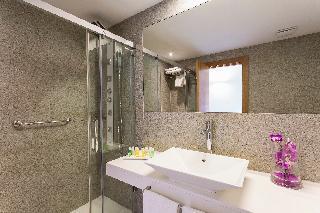 http://photos.hotelbeds.com/giata/02/024844/024844a_hb_ro_012.jpg