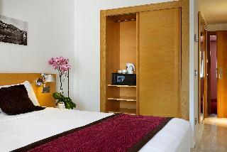 http://photos.hotelbeds.com/giata/02/024844/024844a_hb_ro_013.jpg