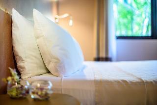 http://photos.hotelbeds.com/giata/03/036956/036956a_hb_ro_002.jpg