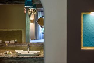 http://photos.hotelbeds.com/giata/03/036956/036956a_hb_ro_004.jpg