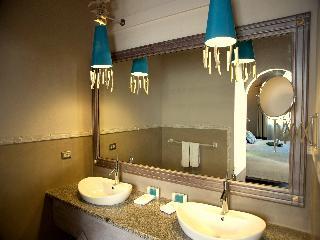 http://photos.hotelbeds.com/giata/03/036956/036956a_hb_ro_006.jpg