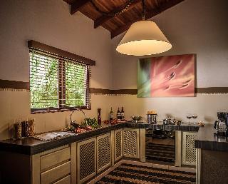 http://photos.hotelbeds.com/giata/03/036956/036956a_hb_ro_033.jpg