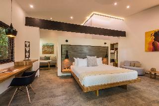 http://photos.hotelbeds.com/giata/03/036956/036956a_hb_ro_036.jpg
