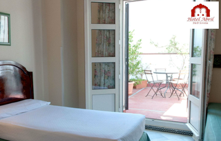 Accommodation - Abril - Guest room - SEVILLA