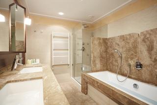 http://photos.hotelbeds.com/giata/05/050885/050885a_hb_ro_003.jpg