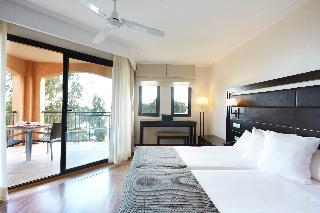 http://photos.hotelbeds.com/giata/05/050885/050885a_hb_ro_012.jpg