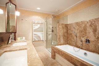 http://photos.hotelbeds.com/giata/05/050885/050885a_hb_ro_020.jpg