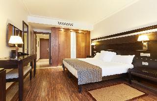 http://photos.hotelbeds.com/giata/05/050885/050885a_hb_ro_021.jpg