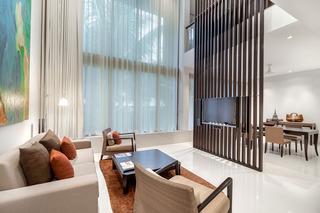 http://photos.hotelbeds.com/giata/05/053068/053068a_hb_ro_097.jpg