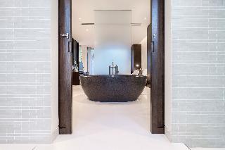 http://photos.hotelbeds.com/giata/05/053068/053068a_hb_ro_124.jpg