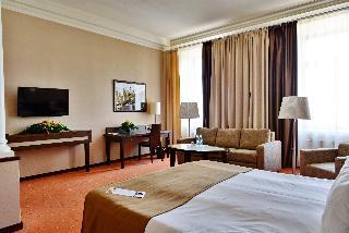 http://photos.hotelbeds.com/giata/05/056815/056815a_hb_ro_145.JPG