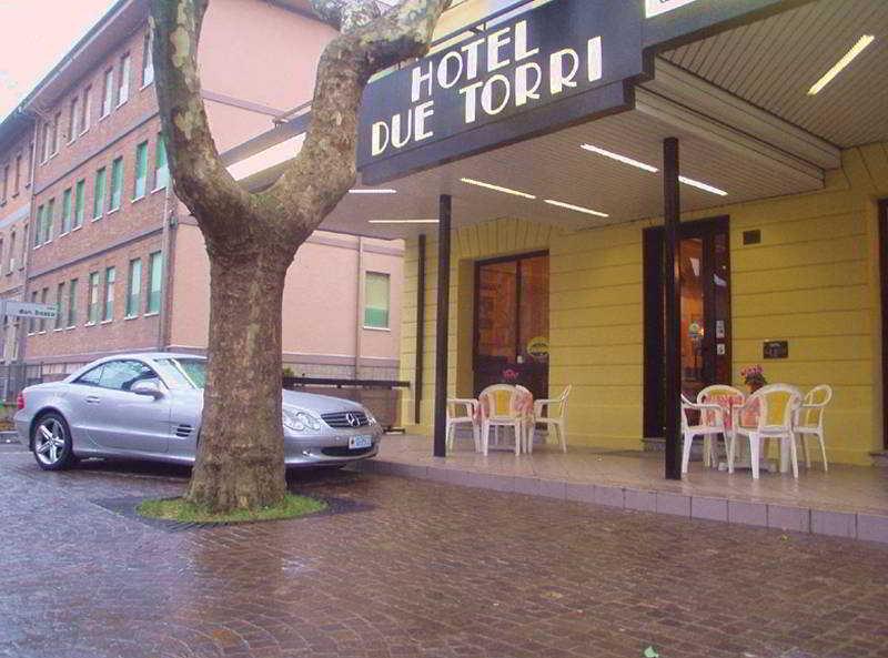 Rezervare hotel Rimini Due Torri