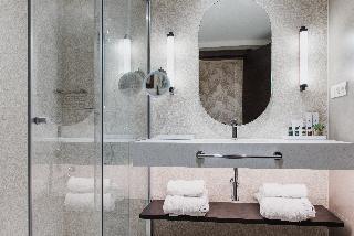 http://photos.hotelbeds.com/giata/05/057060/057060a_hb_ro_051.JPG
